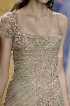 Elie Saab spring 2010 couture gown for Esme Tyrell.