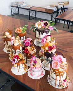 Tortas con la sala caida, Drip Cakes, una de las tendencias 2017 para bodas.