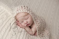 Louisville-Newborn-Photography-Painting-With-Sunlight-Photography