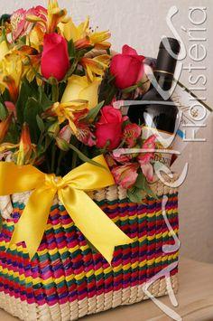 Flores + Revistas + Vino