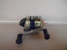 FISHING REEL,ZEBCO 33 ,CLOSE FACE REEL., NEW