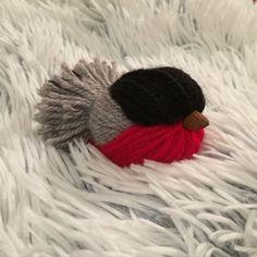 Christmas Crafts to Use Up Extra Yarn - Sewrella Christmas Bird, Christmas Crafts, Christmas Decorations, Pom Pom Crafts, Yarn Crafts, All Free Knitting, Knitting Yarn, Reindeer Noses, Bullfinch