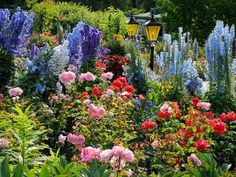 Butchart Gardens, Vancouver, B.C....a place I want to visit soon.