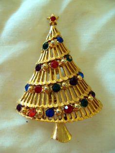 FAB-Vintage-JJ-Signed-Rhinestone-Christmas-Tree-Brooch-Pin-Jewelry. SOLD