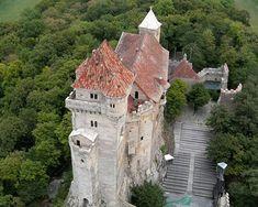 Burg Liechtenstein in Maria Enzersdorf bei Wien Feldkirch, Kirchen, Tower Bridge, Big Ben, The Incredibles, Mansions, Architecture, World, House Styles