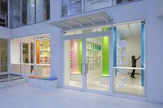 emmanuelle-moureaux-corazy-omotesando-library-tokyo-designboom-02