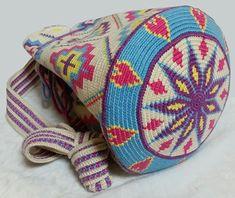 이미지 보기 : 네이버 카페 Filet Crochet, Crochet Stitches, Knit Crochet, Mochila Crochet, Tapestry Crochet Patterns, Tapestry Bag, Pretty Patterns, Crochet Accessories, Cross Stitch Embroidery