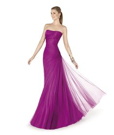 Choosing the perfect wedding guest dress can be difficult, but Pronovias has made it easy for you with a superb selection of dresses where you'll find the ideal outfit for your unique occasion. Evening Dress 2015, Purple Evening Gowns, Prom Dress 2013, Beautiful Evening Gowns, Wedding Dresses 2014, Tulle Prom Dress, Evening Outfits, Beautiful Prom Dresses, Prom Party Dresses