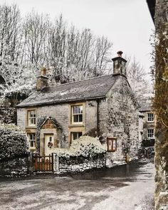 Cozy Cottage, Cottage Homes, Future House, My House, English Country Cottages, Estilo Shabby Chic, Cabins And Cottages, House Goals, My Dream Home