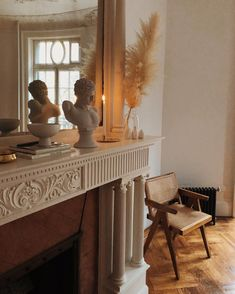 vintage ancient classical home interior decor pieces modern contemporary living room art sculpture display aesthetic beige nude colour Home Living, Living Room Decor, Living Spaces, Bedroom Decor, Wall Decor, Interior Exterior, Home Interior, Interior Decorating, Decorating Ideas