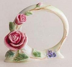 FZ00699-Franz-Porcelain-english-rose-napkin-ring-new-Rare-Exclusive-set-of-2