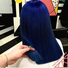 Latest trend in hair: Are you ready for navy blue hair? The popularity of navy blue hair is increasing! We are used to blue hair, pink, what about navy blue? Dark Blue Hair, Hair Color Blue, Colored Hair, Midnight Blue Hair, Deep Blue, Bright Blue Hair, Navy Blue, Black Girls Hairstyles, Pretty Hairstyles
