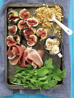 Fig Salad With Roasted Almond Flakes