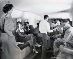 Flying United Airlines to Hawaii - looks like more fun than today's planes! Airline Travel, Air Travel, Hawaii Airlines, Honolulu International Airport, Time Travel Machine, Fly Around The World, Welcome Aboard, Vintage Clothing Stores, Vintage Travel