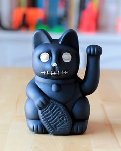 Feliz Halloween!! www.diminutocielo.com  #halloween #gift #eshop #ecommerce #regalo #tienda #design #shop #fun #toys #fluorescent #colors #style #cool #home #lucky #cat #gatete #fortunecat #fortune #manekineko