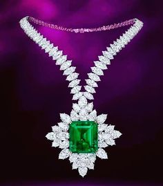 Amazing necklaces white marquised diamonds with 143 carats emerald @diamondzzz_forever