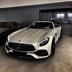 -高級車- - Cars World 2020 Mercedes Auto, Mercedes Benz Autos, Auto Gif, Vw Cabrio, Mercedez Benz, Lux Cars, Super Sport Cars, Luxury Sports Cars, Car Videos