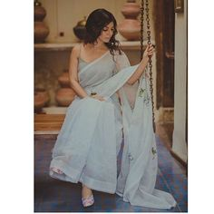 Nostalgia ~ Fluid and gentle Romantic and dreamy Breezy and dainty 🍃 ------- Who could ever think Khadi can be so dreamy and romantic! Indian Attire, Indian Ethnic Wear, Indian Outfits, Sarees For Girls, Indische Sarees, Modern Saree, Sari Dress, Sari Blouse, Saree Trends