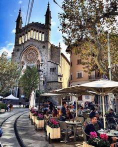 Soller is popular with day trippers who arrive on the vintage train from Palma and seem to do little but sit outside the cafes in Placa Constitucid soaking up the atmosphere and the sun. With several tapas bars, a fine selection of pastry-shops, local ice-cream and freshly squeezed orange juice, there is little temptation to move on. #mallorca #majorca #palmademallorca #palmadimaiorca #visitspain #beautifuldestinations #wanderslust #europe #discoverglobe #travel #travelbug #traveling…