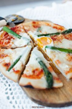 Pizza with Asparagus