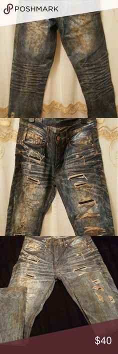 🔥SALE🔥Ripped men jeans Very nice jeans in a size 32x32 straight leg fit ,low rise. Brown/rustic color with a lot of rips Very stylish and 🔥hot🔥 ! Jeans Straight Leg
