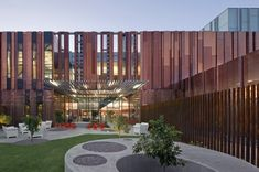 Phoenix's South Mountain Community Library won a 2013 AIA/ALA Library Building Award for its design, which resembles a circuit board, and its use of natural shading to merge the indoors and outdoors. Library Architecture, Modern Architecture Design, Facade Design, Facade Architecture, Healthcare Architecture, Community College, Community Library, Organic Structure, Beautiful Library