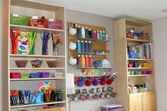 Holly's Arts and Crafts Corner: Our New Art Room! (Love the way she organized this - copy some ideas! Kids Craft Supplies, Art Supplies Storage, Art Storage, Storage Ideas, Shelving Ideas, Arts And Crafts Storage, Space Crafts, Decor Crafts, Room Crafts