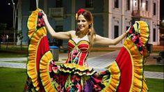 Resultado de imagen para vestidos del carnaval de barranquilla buscar en facebook