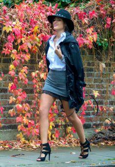 falda gris de zara con encaje