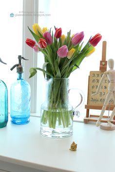 Detail in my livingroom! ;) Styling and photography by Ann, Glassveranda. (http://glassveranda.blogspot.com/)
