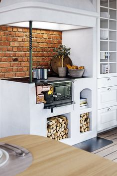 Kitchen Color Ideas For Walls is enormously important for your home. Whether you choose the Kitchen Wall Decor Ideas or Decorating Kitchen Walls Ideas, you will create the best Kitchen Shelf Decor Ideas for your own life. Kitchen Furniture, Kitchen Interior, Home Interior Design, Rustic Kitchen, Kitchen Dining, Kitchen Walls, Küchen Design, House Design, Garden Design