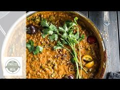 This easy to make Creamy Coconut Lentil Curry is a healthy vegan recipe that makes a perfect meatless Monday dinner recipe. It takes less than an hour (mostl. Curry Recipes, Vegetarian Recipes, Cooking Recipes, Healthy Recipes, Healthy Rice, Vegetarian Options, Fast Recipes, Vegan Options, Healthy Dinners