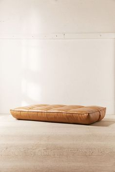 Greta Recycled Leather XL Sofa Bed & Urban Outfitters Source by The post Greta Recycled Leather XL Sofa Bed appeared first on The most beatiful home designs. Bed Couch, Fold Down Beds, Pallet Couch, Pallet Benches, Pallet Tables, Pallet Bar, 1001 Pallets, Outdoor Pallet, Chairs
