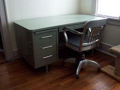 Steelcase Tanker Desk & Goodform Chair