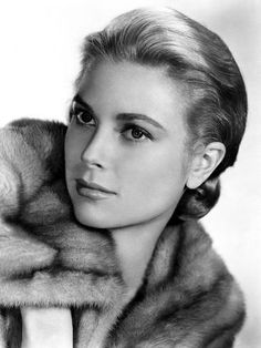 Princess Grace Kelly-possibly the most beautiful woman ever Ava Gardner, Hollywood Stars, Classic Hollywood, Old Hollywood, Hollywood Images, Hollywood Glamour, Beautiful Celebrities, Beautiful Actresses, Beautiful Women