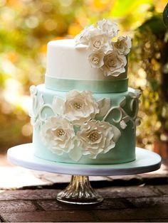 Wow Factor Cakes - Charlotte, NC. Flowers of Charlotte loves this!