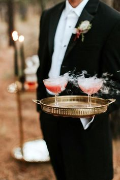 How To Have A Stylish Halloween Wedding Spooky-Chic: How To Have A Stylish Halloween Wedding on Here Comes The Guide. The post How To Have A Stylish Halloween Wedding appeared first on Halloween Wedding. Costume Halloween, Table Halloween, Halloween Themes, Halloween Party, Halloween Weddings, Halloween Wedding Decorations, Halloween 2020, Halloween Nails, Holiday Wedding Decor
