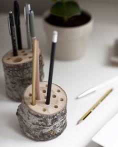 Reutilize o tronco da sua árvore de Natal num porta-canetas