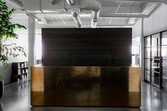 NICOLEHOLLIS Studio | Interior Design - Entry - Reception Desk #NICOLEHOLLIS Photo by Laure Joliet