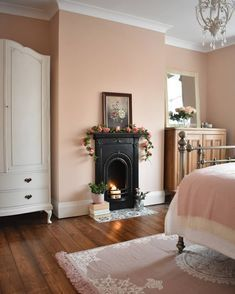 Bedroom painted in Farrow & Ball Setting Plaster with Victorian fireplace and iron bedstead. Modern Victorian Bedroom, Vintage Bedroom Decor, Victorian Living Room, Victorian Terrace House, Vintage Furniture, Dusty Pink Bedroom, Pink Bedroom Walls, Home Bedroom, Bedrooms