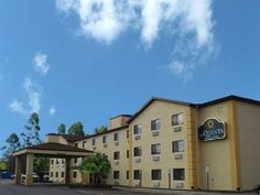 Erie (PA) La Quinta Inn & Suites Erie United States, North America Stop at La Quinta Inn & Suites Erie to discover the wonders of Erie (PA). The hotel has everything you need for a comfortable stay. Free Wi-Fi in all rooms, 24-hour front desk, facilities for disabled guests, express check-in/check-out, business center are on the list of things guests can enjoy. Guestrooms are fitted with all the amenities you need for a good night's sleep. In some of the rooms, guests can find...