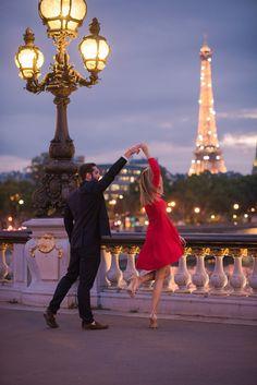 Evening Engagement Session: Louvre, Tuileries and Pont Bir Hakeim - Pictours™ Paris Photography Paris Photography, Couple Photography, Photography Poses, Paris Engagement Photos, Engagement Session, Cute Couples Goals, Couple Goals, Paris Couple, Couples In Paris