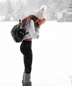 winter outfits snow Gorgeous Feminine clothing out - winteroutfits Winter Mode Outfits, Cold Weather Outfits, Winter Outfits Women, Casual Winter Outfits, Winter Fashion Outfits, Autumn Winter Fashion, Fall Outfits, Cute Outfits, Outfits For The Snow