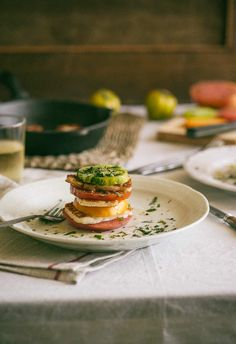 Heirloom Tomato and Haloumi Stacks. Heirloom tomatoes combined with haloumi cheese. A great way to finish off summer. Milk Recipes, Greek Recipes, Cooking Recipes, Keto Recipes, Vegetarian Recepies, Healthy Salad Recipes, Alkaline Recipes, Alkaline Diet, Cetogenic Diet