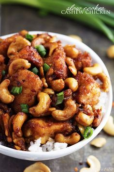 slow cooker cashew chicken... this looks AMAZING!