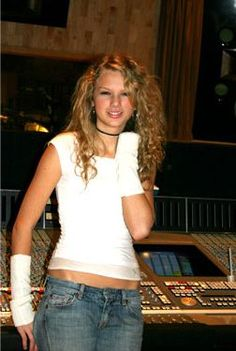 529715ad92341545a1020ee11e3aafc8--young-taylor-swift-rare-photos.jpg 252×375 pixels