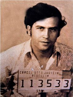 The Memory of Pablo Escobar by James Mollison and Rainbow Nelson Hardcover) for sale online Pablo Emilio Escobar, Pablo Escobar, Narcos Escobar, Fille Gangsta, Mafia Gangster, The Godfather, Mug Shots, Good Books, Drugs