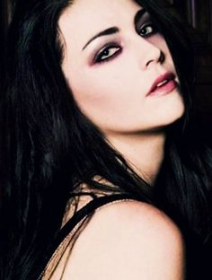 See related image detail Gothic Angel, Bring Me To Life, Amy Lee Evanescence, Pretty Face, Hard Rock, Girl Crushes, Hair Makeup, Beautiful Women, Actresses