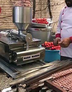 BBQ machine is machine ki kebab ki machine ki price kya hai Restaurant Kitchen, Restaurant Design, Barbecue Machine, Meat Shop, Carne Asada, Commercial Kitchen, Diy Garden Decor, Bbq Grill, Outdoor Cooking