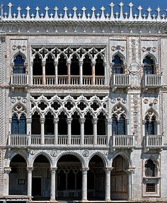 Venice - This Palazzo was built between 1428 and 1430 for the Contarini family, who provided Venice with eight Doges between 1043 and 1676. Gothic Architecture, Historical Architecture, Beautiful Architecture, Venice Travel, Italy Travel, Rome Florence, Republic Of Venice, Venice Florida, Europe